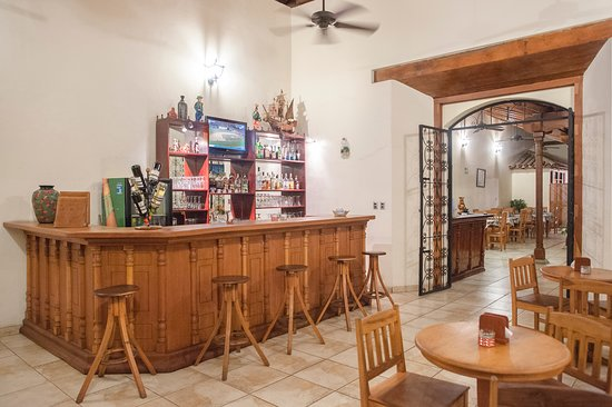 Hotel El Almirante: Bar El Almirante