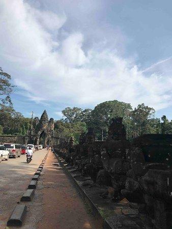 Angkor Thom South Gate 1