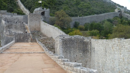 Ston, Croatia: City walls
