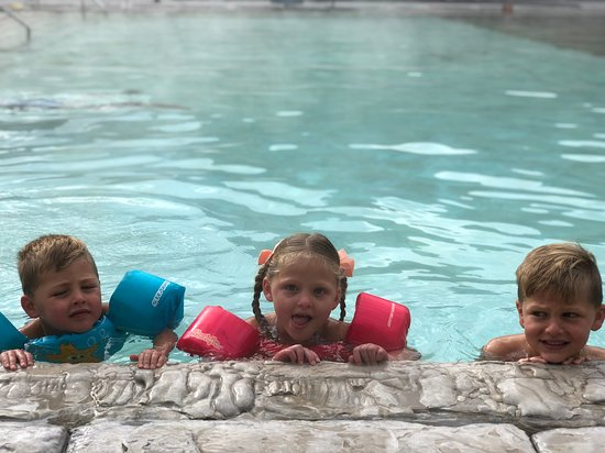 Glenwood Hot Springs Pool : Perfect Family Afternoon