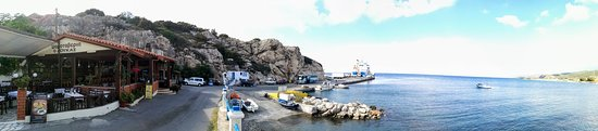 Kamiros Scala, Yunanistan: Kámiros Skála is not the romantic fishing harbor tourists might be looking for