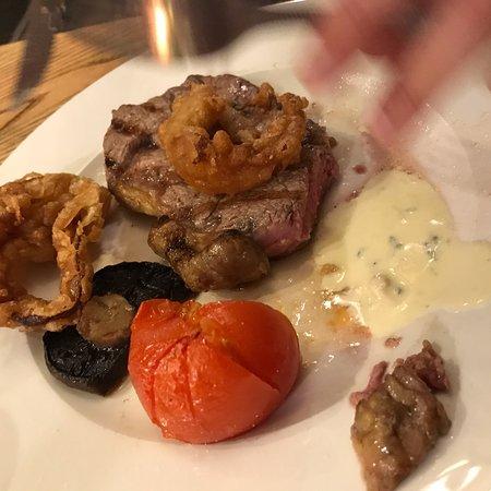 Bishopsteignton, UK: Steak night, okay.