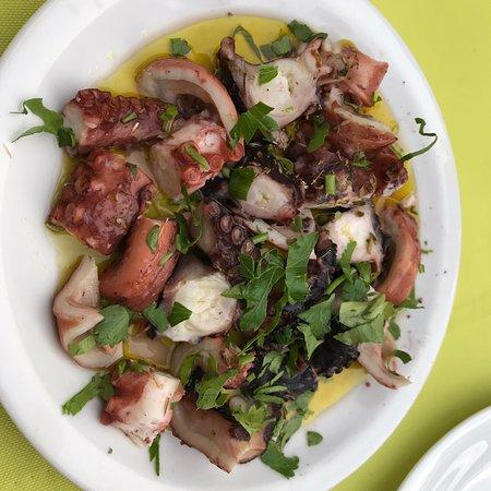 Angelos Restaurant: photo1.jpg