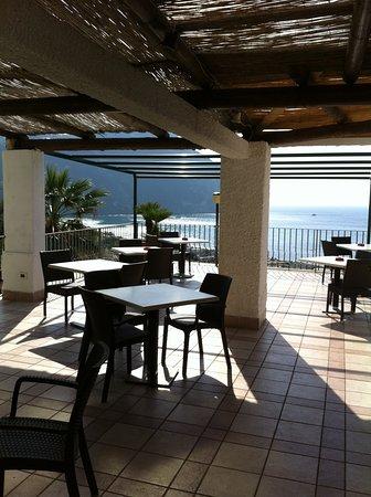 Hotel Citara: Sonnenterrasse am Dachpool