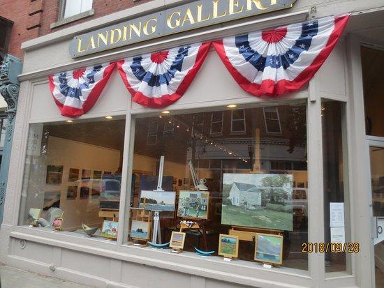 Landing Gallery: gallery front