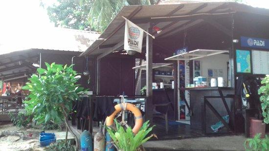 Tioman Dive Centre: Small simple cool!