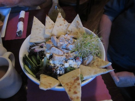 Colden, NY: Chicken souvlaki salad