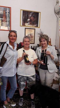 Panil Beer - Birrificio Torrechiara: в центре милейшая хозяйка усадьбы PANIL