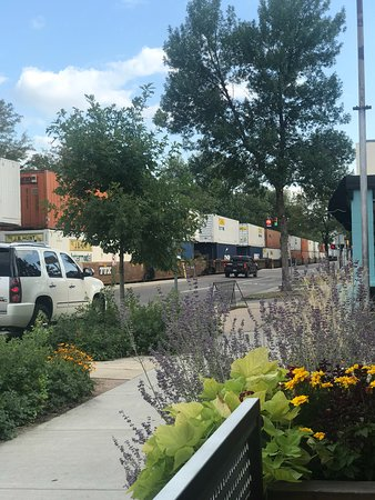 Restaurant 415: freight train