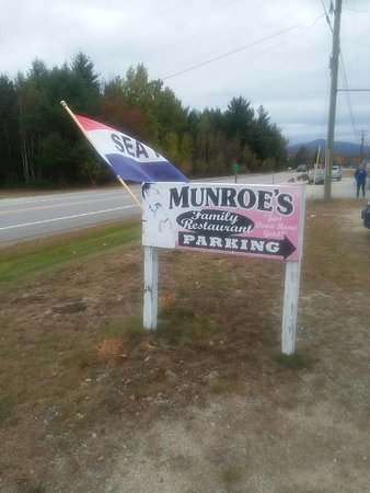 ‪‪Twin Mountain‬, ‪New Hampshire‬: Monroe's sign‬