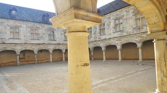 Le palais Granvelle-Musée du temps