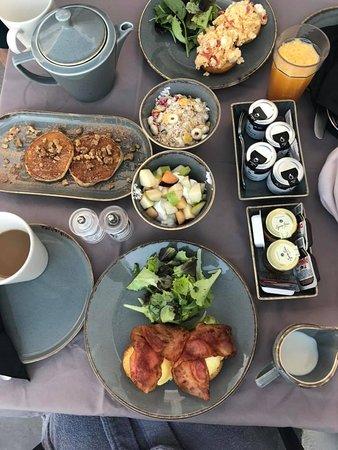 Atrina Canava 1894: Our breakfast one morning.. yum.