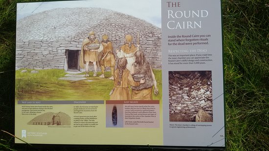 Roster, UK: Round cairn