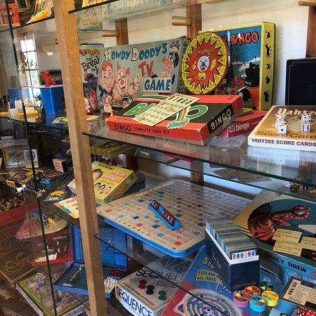 Kellogg, Minnesota: Incredible toy store- huge but with a great fun feel! Don't pass it by!