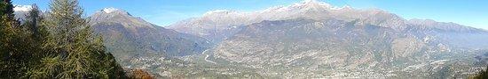 Gravere, Italie : Panorama dalla balconata