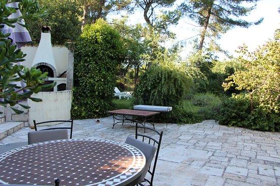 Mimet, Frankreich: Espace détente + barbecue - Solarium en arrière plan
