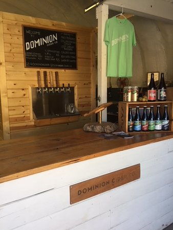 Summerland, Canada: Dominion Cider on tap, in cans and bottles