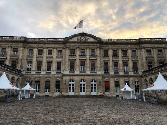 Hotel de Ville (City Hall): Hôtel de Ville