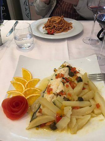 La Fontana Bellagio: White fish with pasta and pears. Amazing