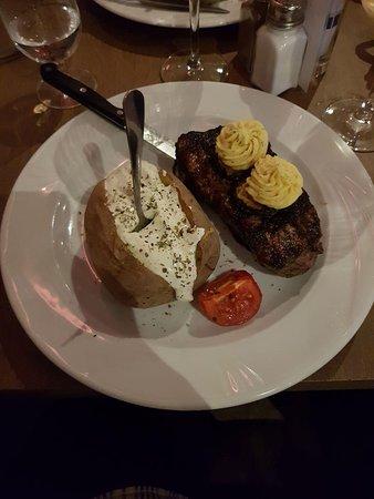 Neuenburg am Rhein, Niemcy: Steak XXL