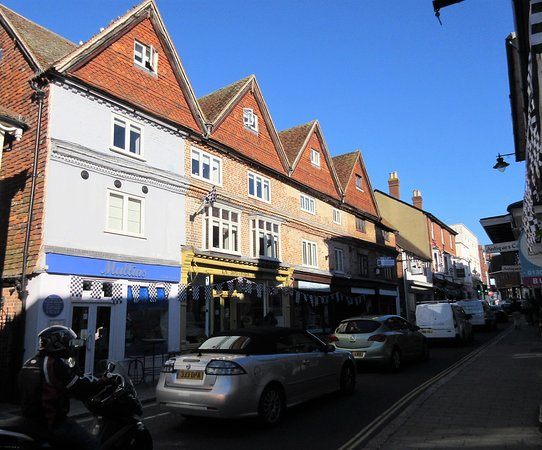 Dorking, UK: Traffic is heavy but seems to flow well
