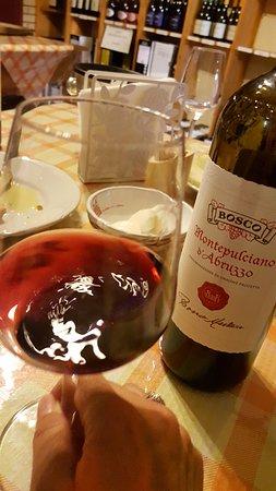 Nocciano, Italie : Best Montepulciano d'Abruzzo EVER