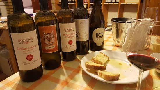 Nocciano, Italie : The five tasting wines... impossible to choose a favorite