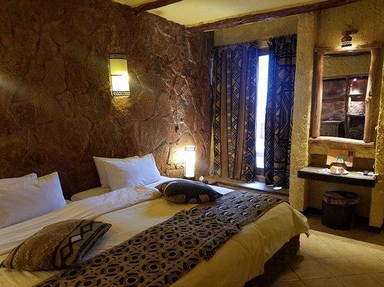 Rough Tours: Отель в долине Dades