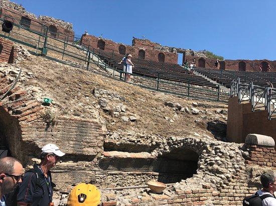 Teatro Antico di Taormina: many steps