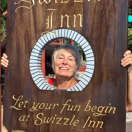 ‪‪Swizzle Inn‬: Great place to start your vacation‬