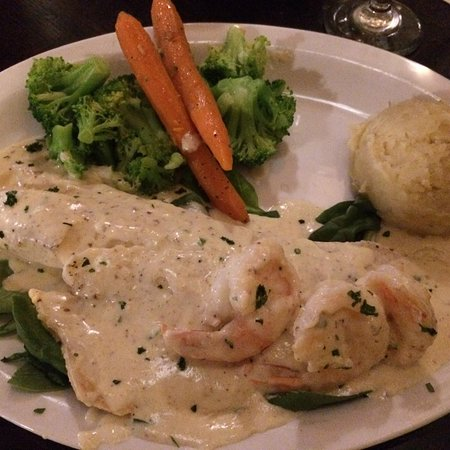 HAVANA COUNTRY CLUB - great fish entree, temperature challenged, great service