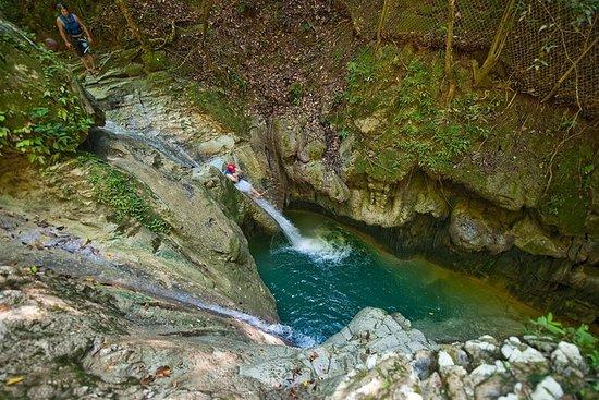 Avventura alle cascate Damajagua con