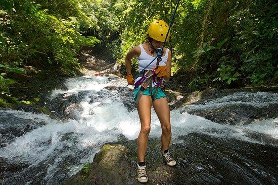 Rappel El Encanto vattenfall i Jaco