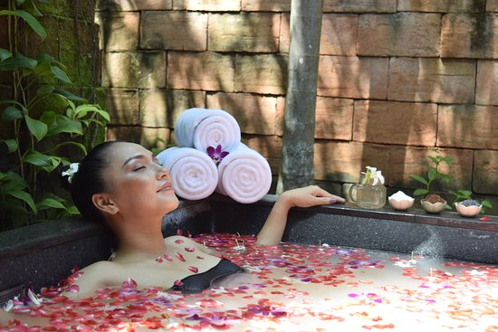 Mai Khao, Thailand: Mandara Spa Aromatic Flower Bath