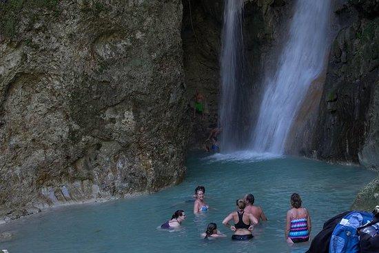 Nado en la cascada de Puerto Plata...