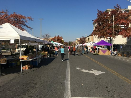 Downtown Yakima Farmer's Market