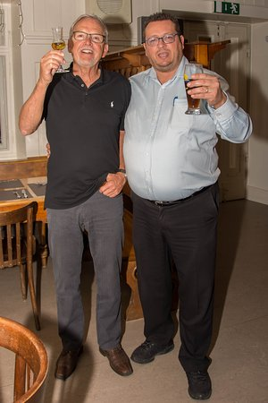 Altstatten, Szwajcaria: Ein zufriedener Gast mit einem zufriedenen Chef!