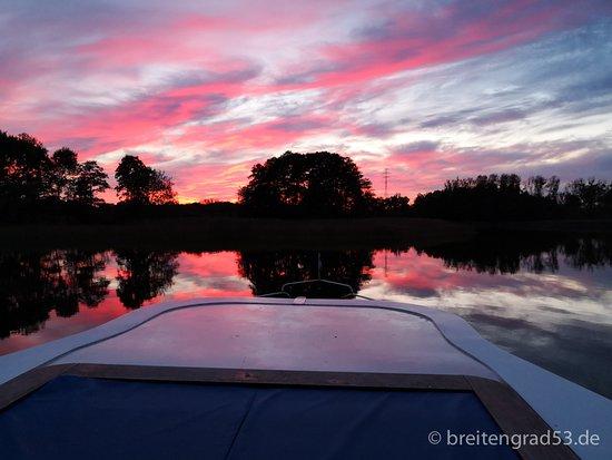 Mecklenburg-West Pomerania, Germany: Atemberaubender Sonnenuntergang auf dem Woblitzsee in Mecklenburg-Vorpommern. Den Bericht dazu gibts auf www.breitengrad53.de.