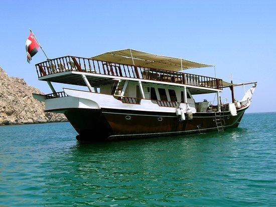 Dubai Desert Tours: musandam cruise