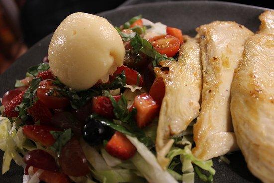 Lume de Carozo ofrece tapas y platos en el Casco Vello de Vigo