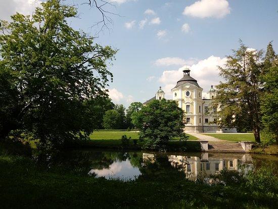 Kravare Castle: Zamek Kravare