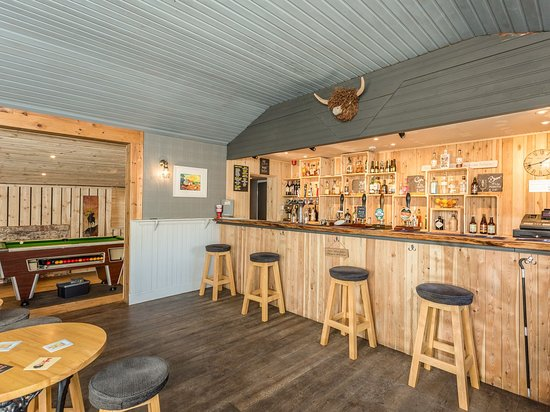Kincraig, UK: Suie bar. Discretely located within the building. But with its own access.