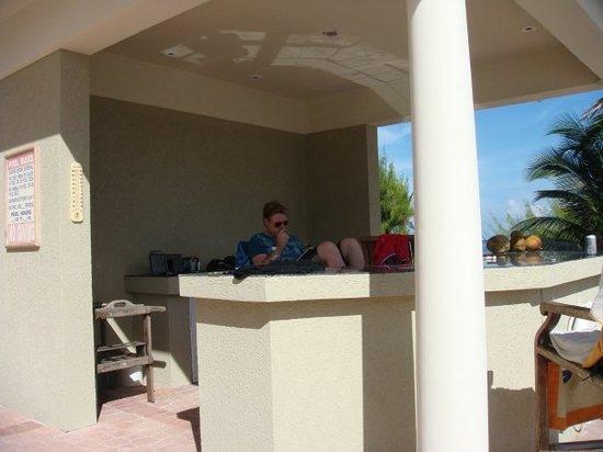 Rum Point, Grand Cayman: Pool Bar