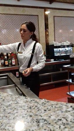Hotel Pueblo Camino Real : Trabajadora excepcional.