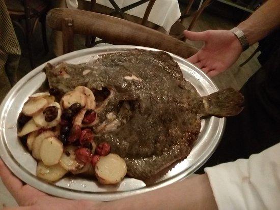 Villa Adriana, Italy: Rombo con Patate, Olive e Pomodorini