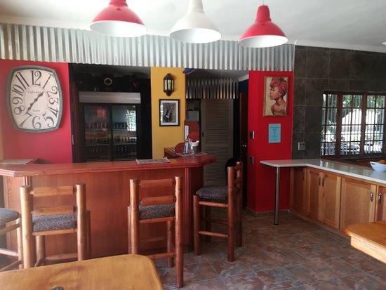 Benoni, Sudáfrica: Bar
