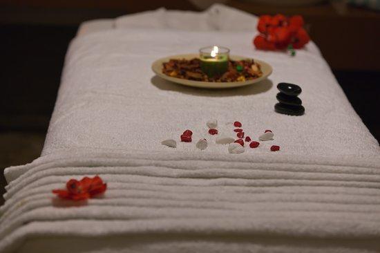 My One Spa: Stresli Bir Yerde Acemi Bir Terapistin Uyguladığı Masajdan Daha İyisini Hak Ediyorsun!