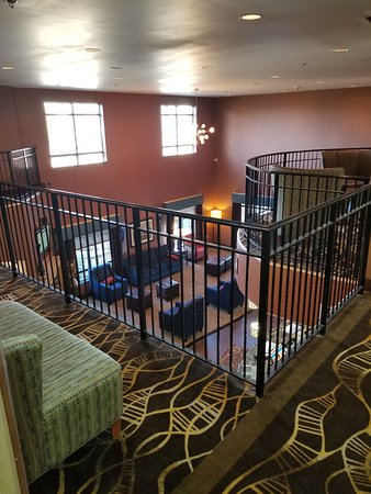 Comfort Suites Topeka: View from second floor overlooking lobby - nice relax area