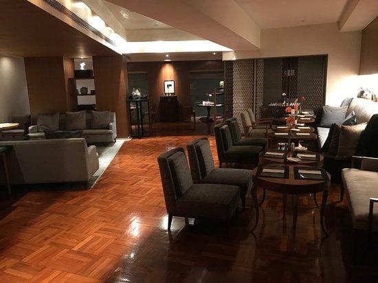 لي سويتس أورينت بوند شنغهاي: Very comfortable dining room