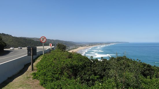 Dolphin Point Lookout: From the car park looking back to Wilderness.
